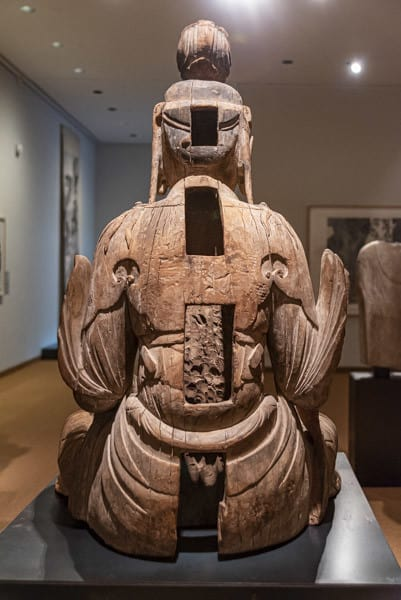 Rückseite der Guayin - Statue